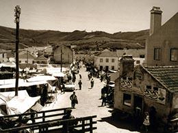 Vista geral da feira antiga